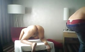 Anonymous blind fold in a hotel fucked by muscle body builder