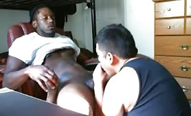 Servicing a str8 black cock