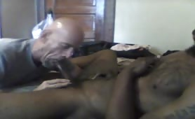 Mature guy sucking a str8 black dude and his about to blow