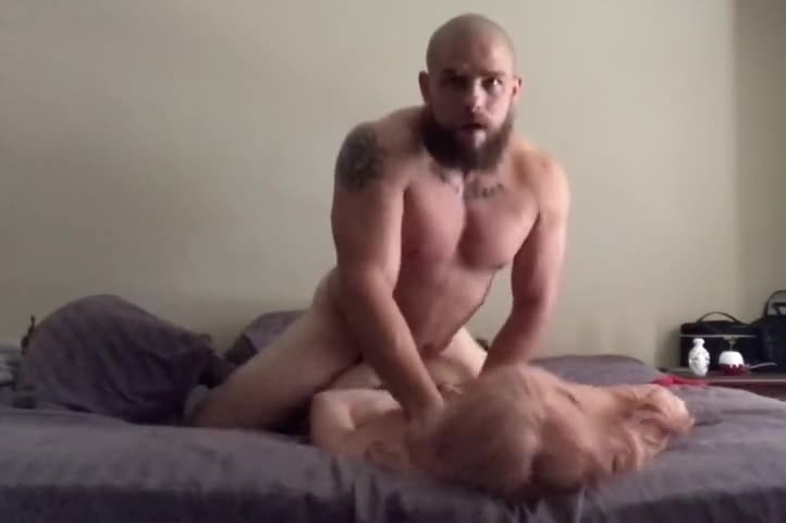 Muscle Guy Fucks Brunette